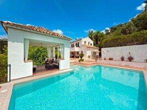 5 bedroom villa in costa del sol, ronda