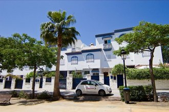 5 bedroom townhouse in san pedro center, san pedro alcantara