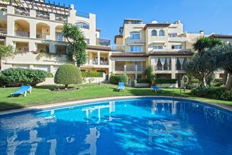 Frontline Golf Apartment for sale in Guadalmina Alta