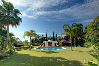 Villa for sale in Atalaya de Río Verde within Walking Distance to Amenities