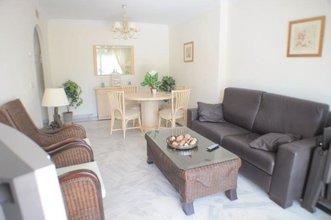 2 bedroom apartment in nueva andalucia, marbella