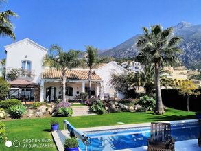 Villa with Sea Views for sale in Sierra Blanca Country Club