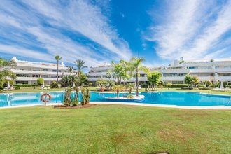 Frontline Golf Apartment for sale in Los Granados Golf