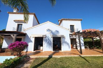Villa with Sea Views for sale in Monte Halcones