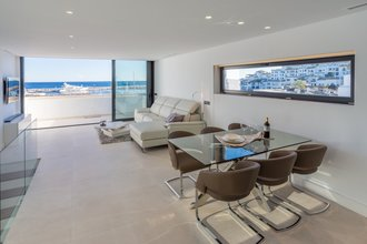 Penthouse with Sea Views for sale in Puerto Banus