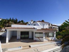 3 bedroom villa in carib playa, marbella