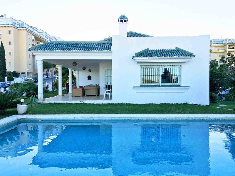 3 Bed 2 Bath Villa for sale in La Cala de Mijas - M361356