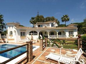 4 bedroom villa in elviria, marbella