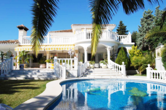 4 bedroom villa in marbesa, marbella