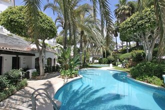 4 bedroom apartment in elviria, marbella