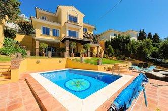 5 bedroom villa in benalmadena costa, benalmadena