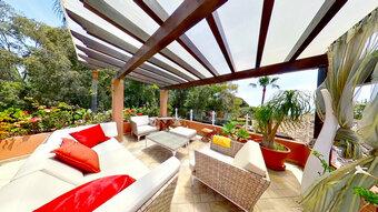 3 bedroom penthouse in new golden mile, estepona