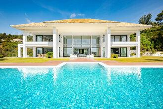 8 bedroom villa in la zagaleta, benahavis