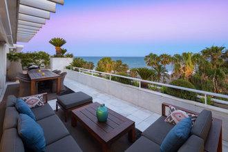 4 bedroom penthouse in puerto banus, marbella