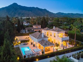 5 bedroom villa in nagueles, marbella