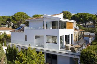 5 bedroom villa in costabella, marbella