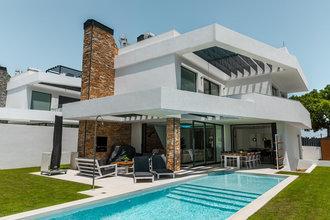 3 bedroom villa in san pedro playa, san pedro alcantara