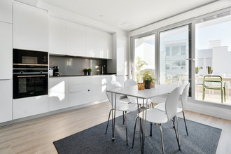 2 bedroom penthouse in new golden mile, estepona