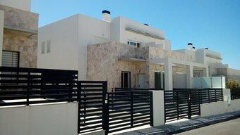 4 bedroom townhouse in costa del sol, torrevieja