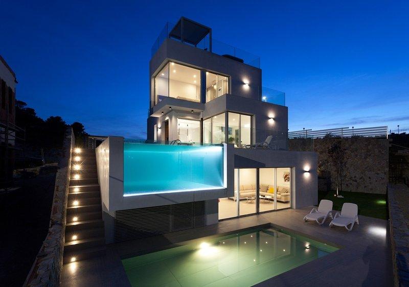 Modern Villa for sale in Mediterranean Luxury Villa