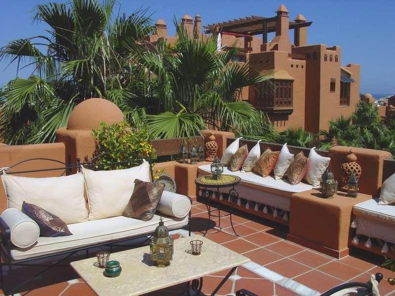 Baños Romanos Andalucia:Piso de 3 Dormitorios en venta en Nueva Andalucía, Marbella – R112