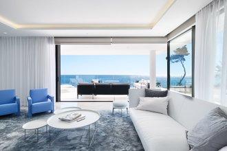 4 bedroom apartment in new golden mile, estepona