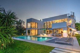 7 bedroom villa in puerto banus, marbella