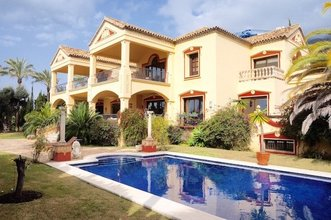 6 bedroom villa in sierra blanca, marbella