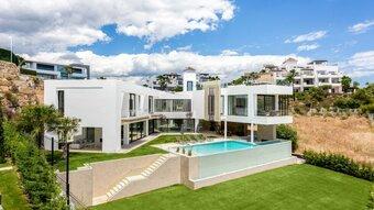5 bedroom villa in la alqueria, benahavis