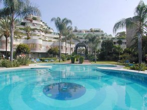 4 bedroom apartment in puerto banus, marbella