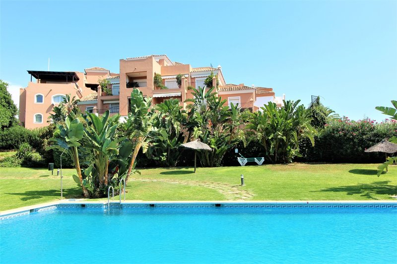 Apartment For Sale In Terraza De Guadalmina Within Walking Distance To Amenities
