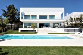 4 bedroom villa in guadalmina baja, san pedro alcantara
