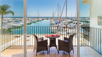 3 bedroom apartment in puerto banus, marbella