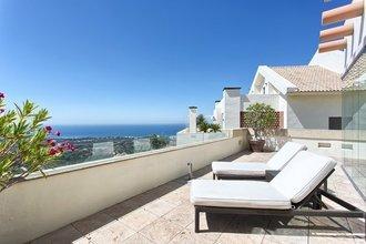 3 bedroom penthouse in los monteros, marbella