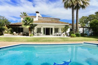 4 bedroom villa in el paraiso, estepona