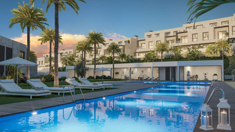 4 bedroom townhouse in new golden mile, estepona