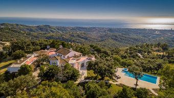 6 bedroom villa in la mairena, marbella